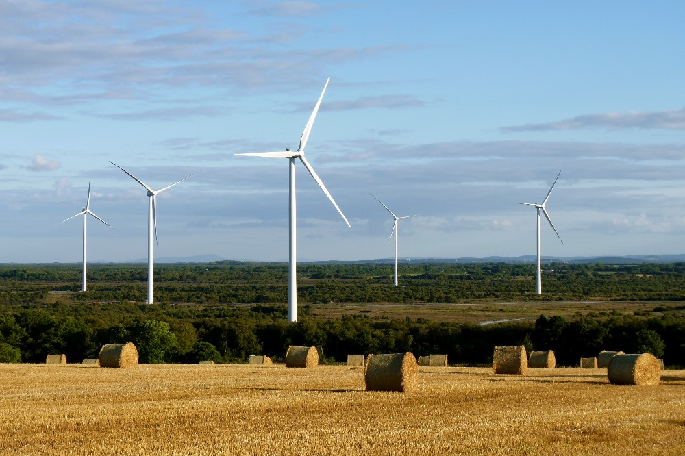 000006_turbines and hay bales_666